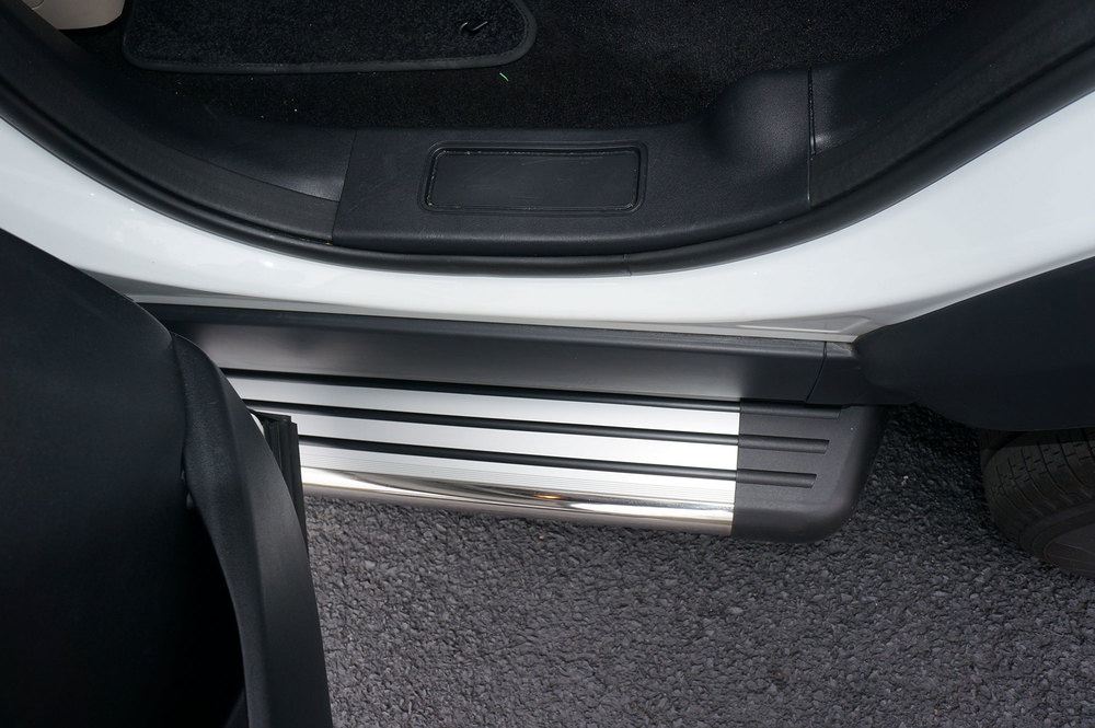 Side Steps / Running Boards For Land Rover Discovery 5, Stainless Steel Pair, RB2 Series By Romik