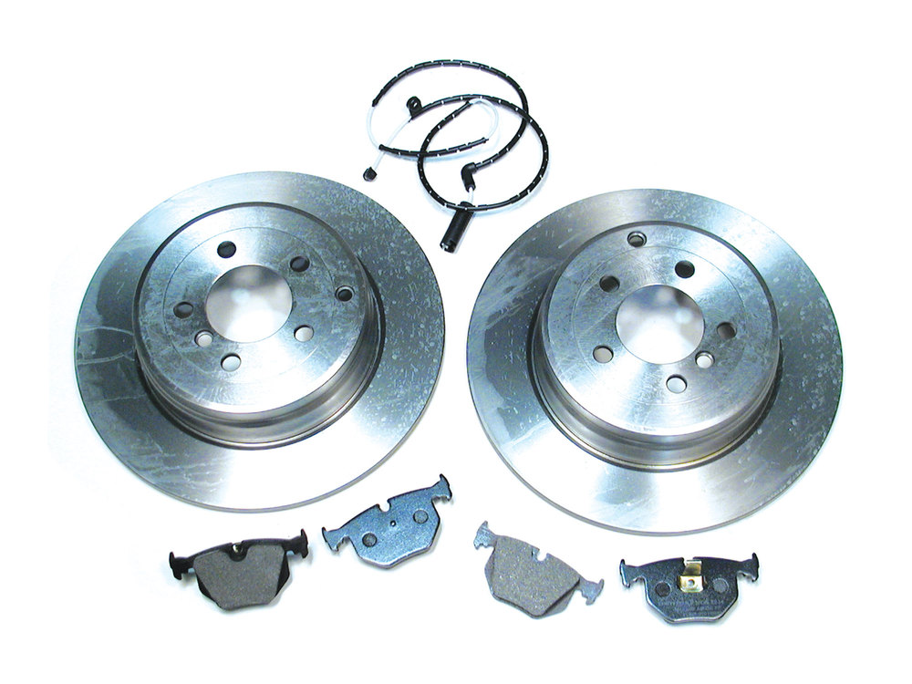 Rear Brake Rebuild Kit With Mintex Pads, Standard Rotors And Brake Wear Sensor For Range Rover Full Size L322, 2003 - 2005