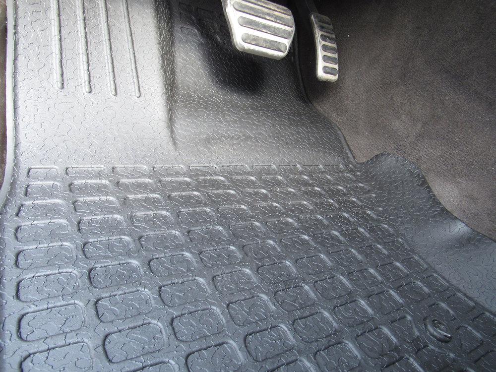 black rubber floor mats