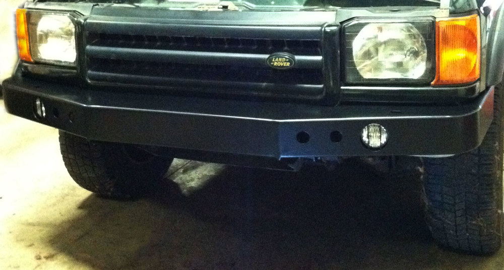 Heavy Duty Front Steel Bumper, Black, Includes Fog Lights Without Winch Mount, For Land Rover Discovery Series II