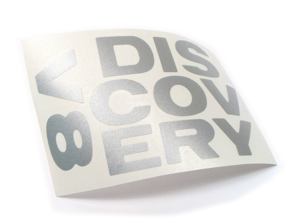 Decal - 'Discovery V8' Text - Discovery 1 Rear Gate - Silver Metallic
