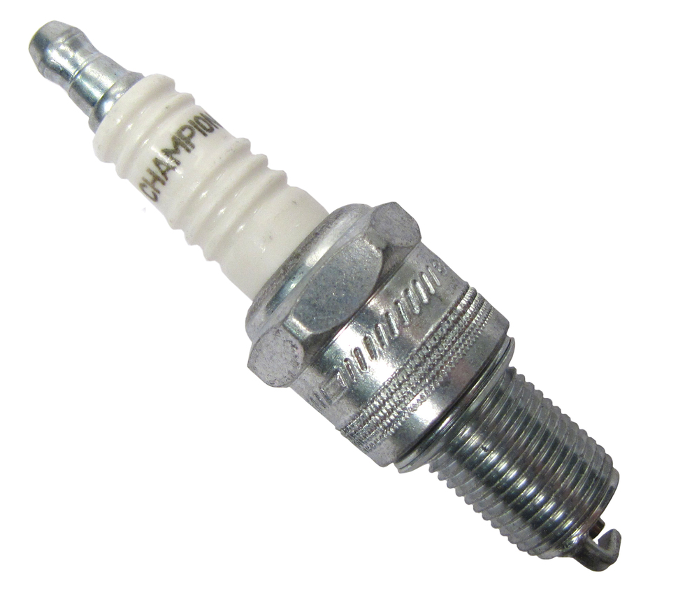Spark Plug ERR3799, Champion RN11YC4, For GEMS Engine Land Rover Discovery I, Defender 90 And 110, Range Rover P38 And Range Rover Classic (See Fitment Years)