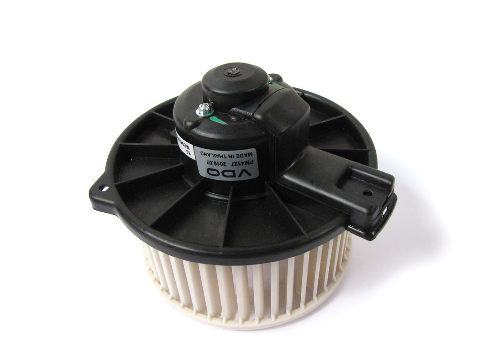 Blower Motor With Blower Wheel Fan By VDO Automotive For Land Rover Discovery Series II