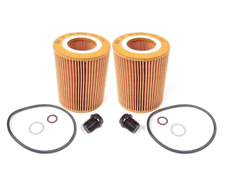 Oil Change Kit For Land Rover LR2 For Two Oil Changes, Inlcudes 2 Cartridge Filters By MANN, 2 Filter Seals, And 2 Drain Plugs With Seals And Washers