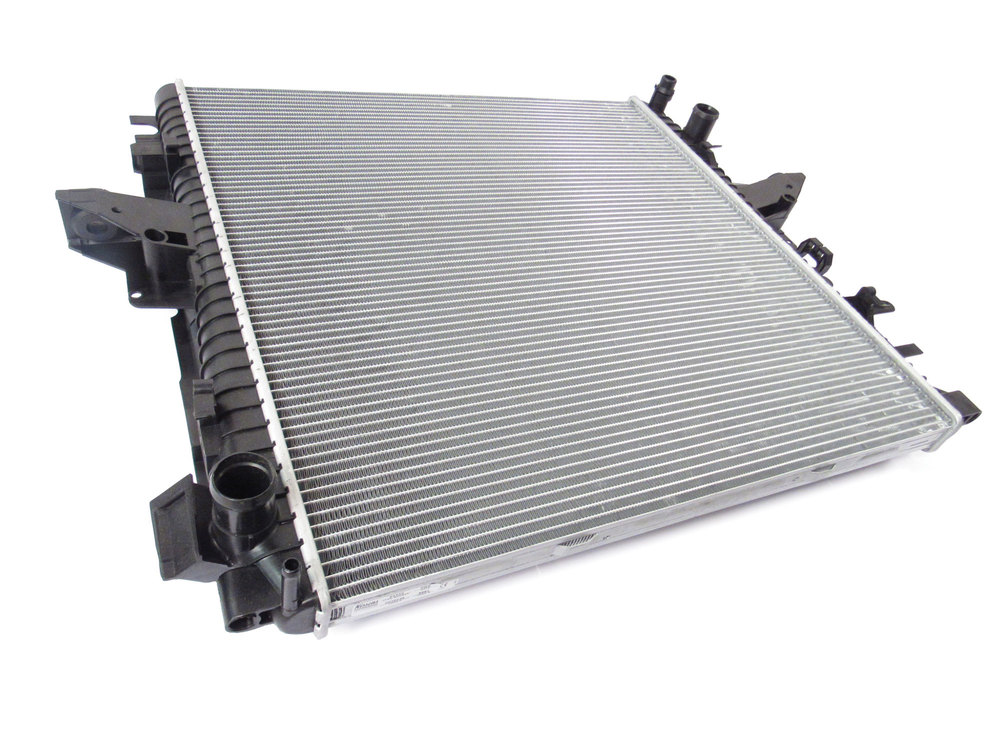 Radiator By Nissens, For Land Rover LR4 And Range Rover Sport, 5.0L And 3.0L Supercharged Engines (See Fitment Years)
