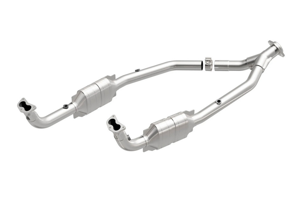 MagnaFlow Land Rover Discovery OEM Grade Federal / EPA Compliant Direct-Fit Catalytic Converter