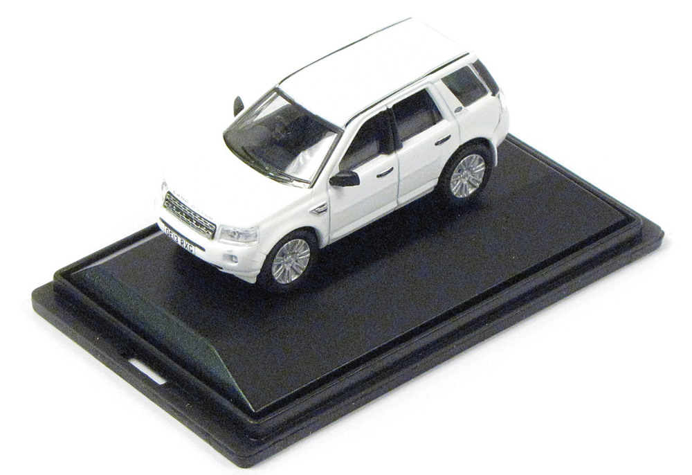 Diecast Collectible Toy Truck, Land Rover LR2 Fuji White 1:76 Scale