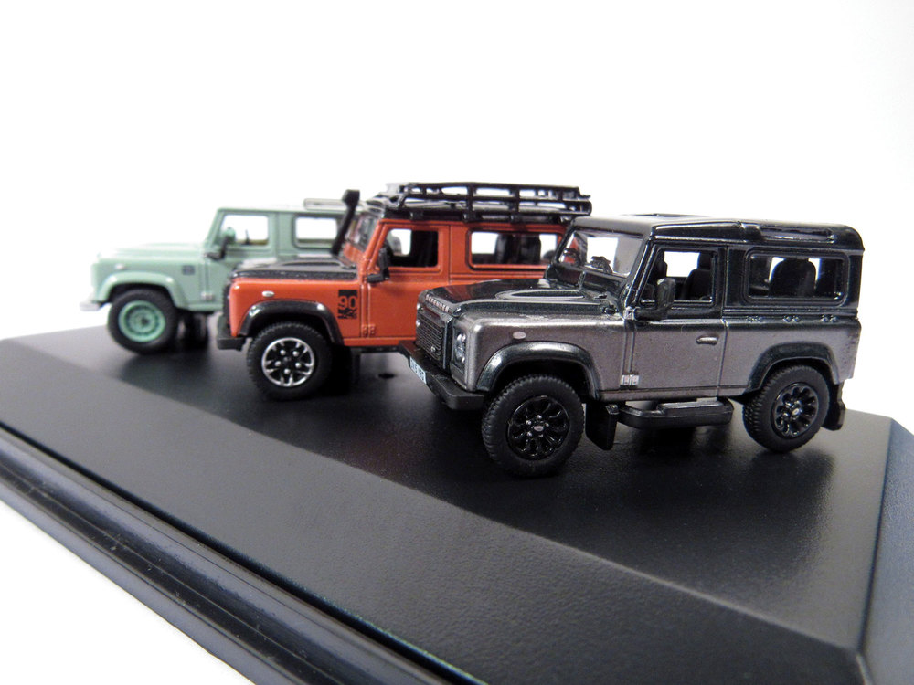 Diecast Collectible Toy Truck Set, Land Rover Defender Heritage 3 Piece Set, 1:76 Scale