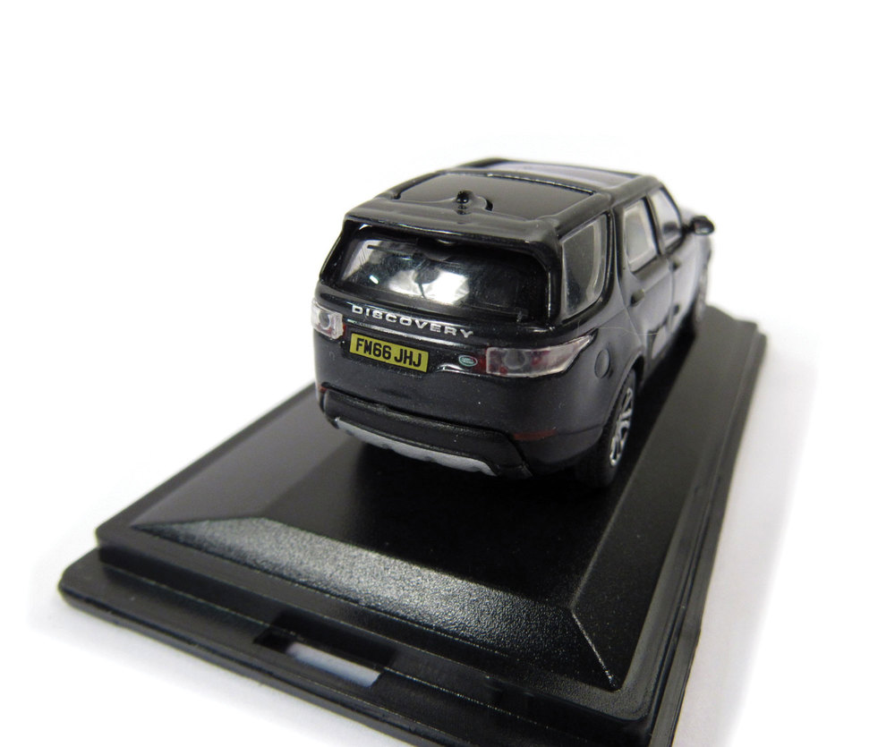 Diecast Collectible Toy Truck, Land Rover Discovery 5 HSE Lux Santorini Black 1:76 Scale