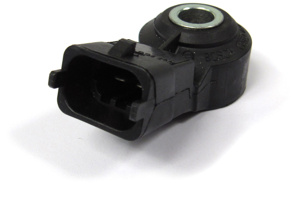 Engine Knock Sensor NSC100650, Original Equipment By BOSCH, For Land Rover Discovery Series II And Range Rover P38 (BOSCH Engine Vehicles - See Fitment Years)