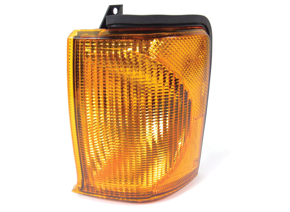Lamp Assembly, Left Hand Directional, For Land Rover Discovery Series II 1999 - 2002