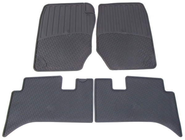 Rubber Floor Mat Set: Black 4-Piece Set For Range Rover 4.0 / 4.6 P38