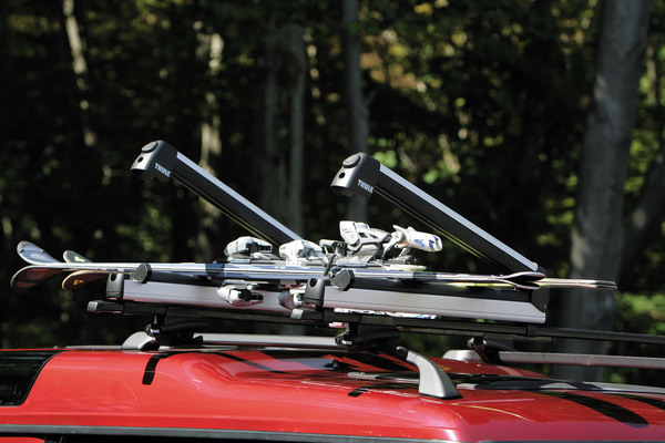 Thule Crossroad Ski Roof Rack Kit - Mounts & Bars With 6-Pair Ski Rack Fixed