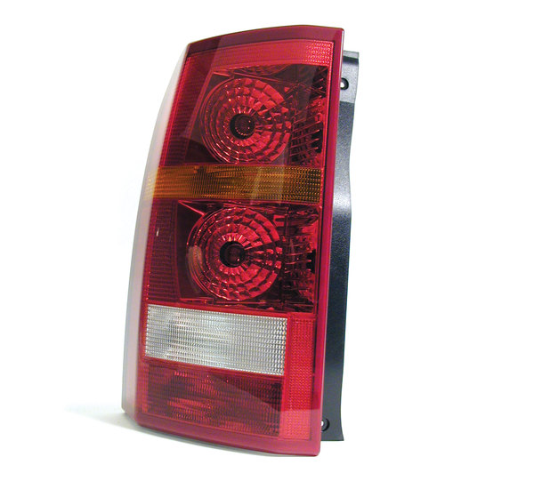 LR3 tail lamp assembly: brake lights and tail lights